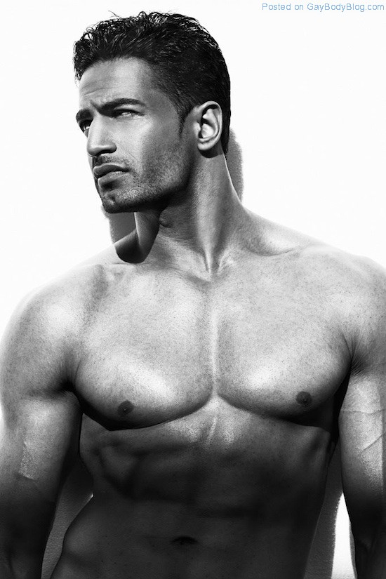 Bollywood Muscle Hunk Upen Patel 7 Bollywood Muscle Hunk Upen Patel