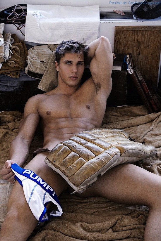 Muscled Hunk Christian Bok By Rick Day (7)