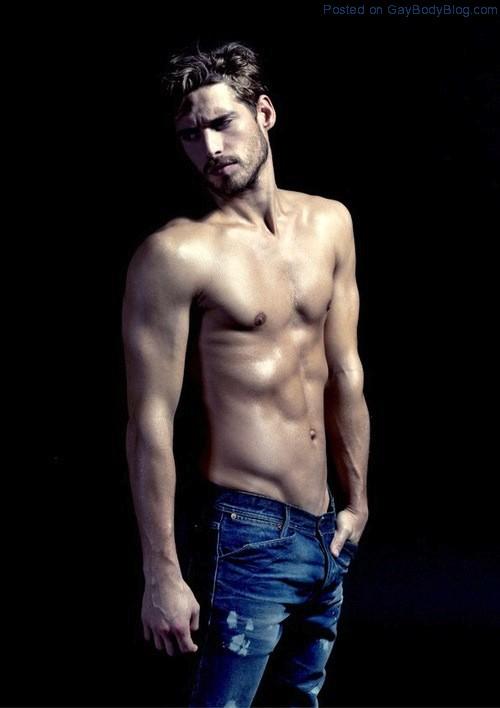 Handsome And Rugged Simone Bredariol (8)
