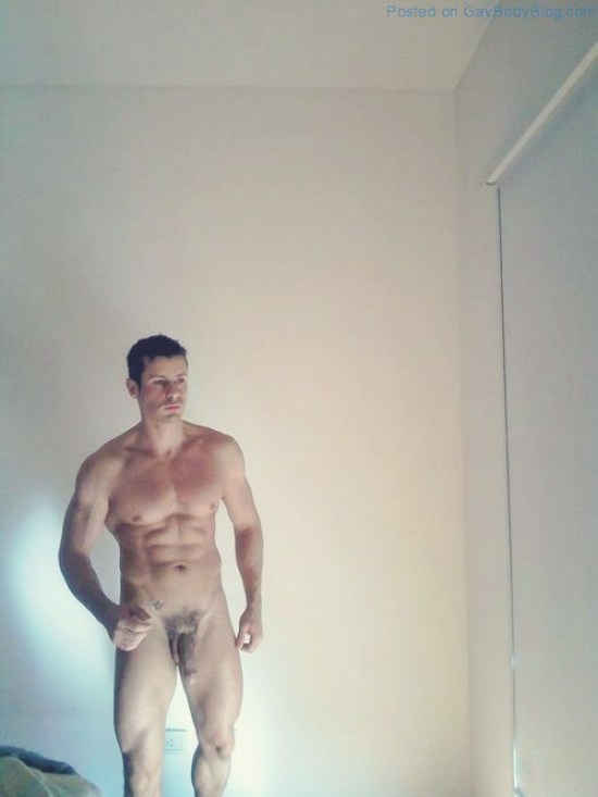 Naked Guys Showing It Off (5)