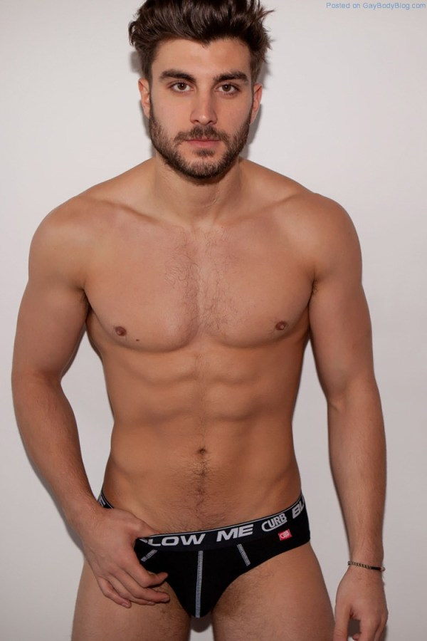 The Tempting Bulge Of British Model Ben Hunt 1 600x900 The Tempting Bulge Of British Model Ben Hunt