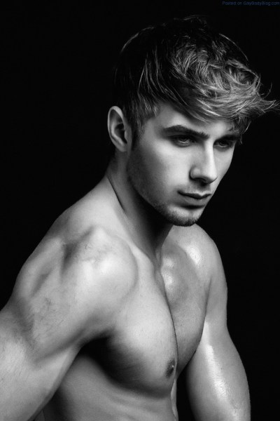 Ruben van Waas And That Smooth Tight Body 1