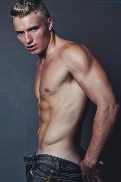 Luke Colley-king Is Looking So Fit 1