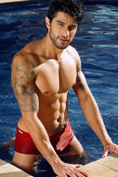 Big Brother Brazil Star Renan Oliveira Gets Wet 0