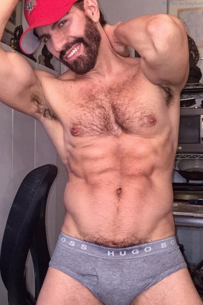 hairy-muscle-hunk-gregory-nalbone-4