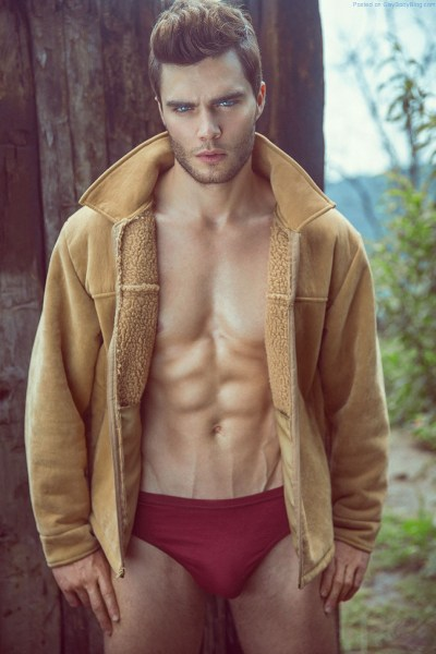 handsome-and-rugged-italian-model-francesco-soave-makes-my-loins-tingle-1