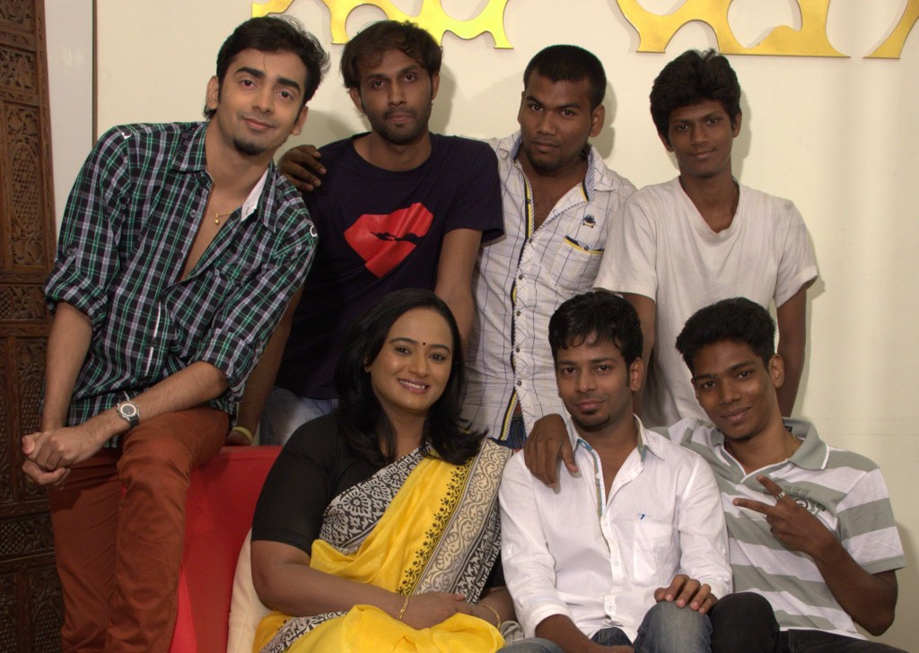 Front row left to right-Karthik Cameraman, Filmmaker Lokesh, Anupama Kumar --- Back row left to right Assistants Sylvester, Karim, Yohaan & Nakshatra Bagwe