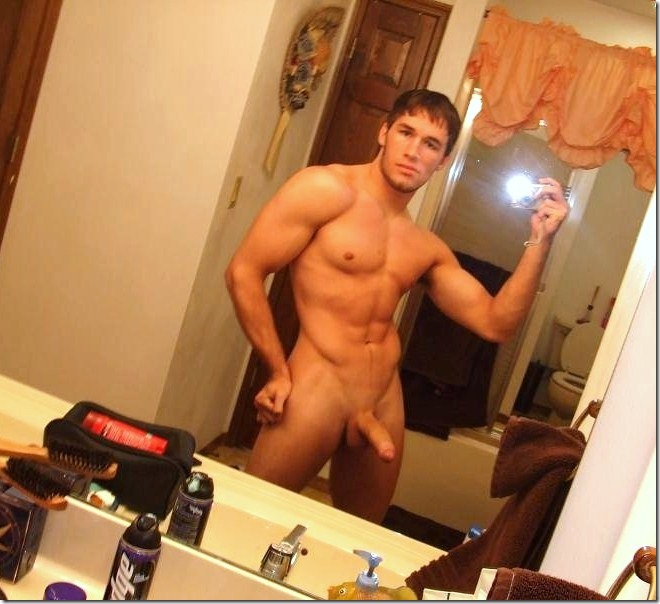 big muscle guys selfphotos