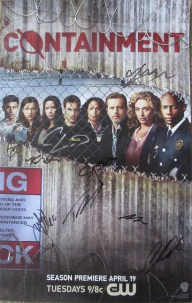 WonderCon 2016 Friday, Containment signing