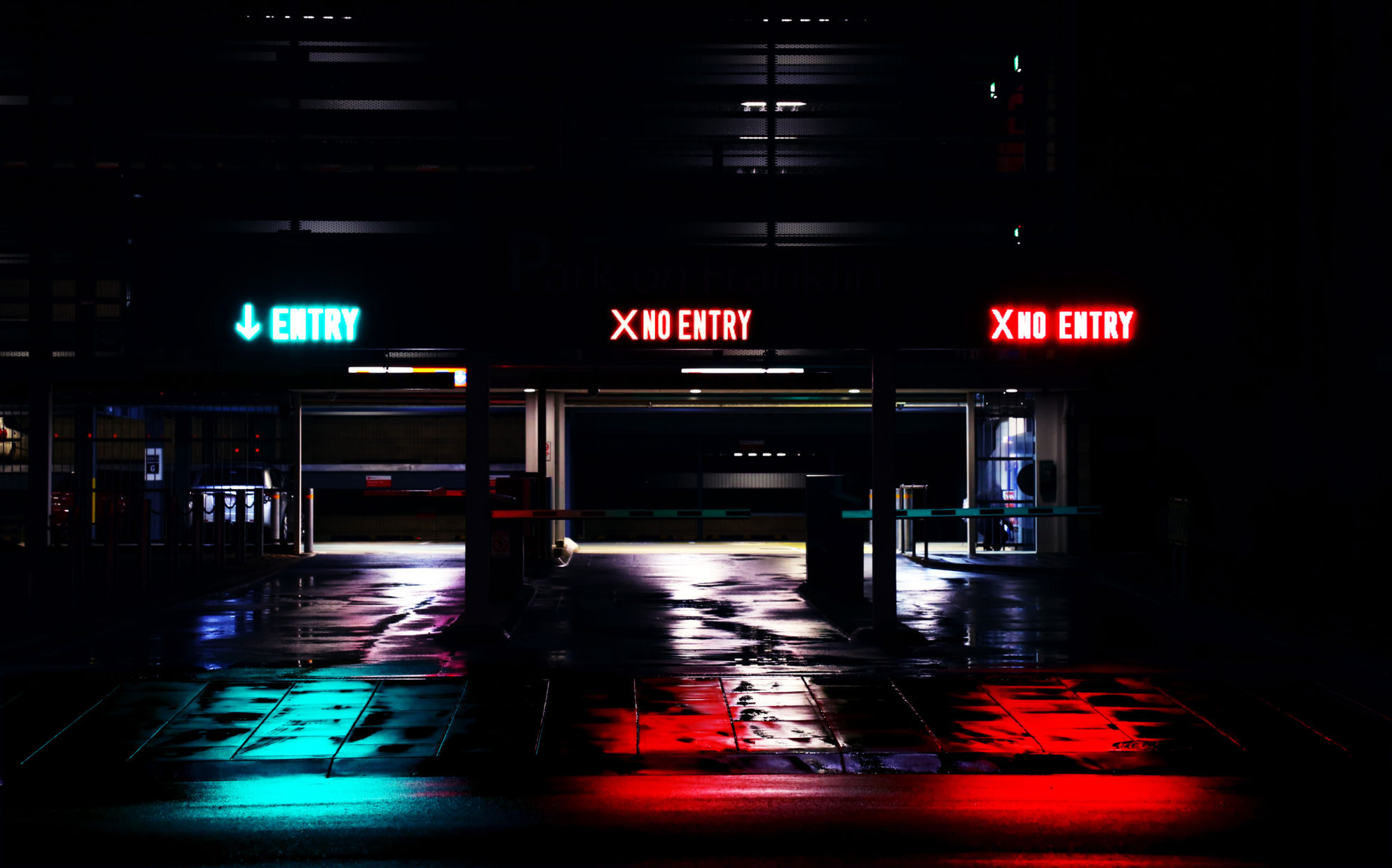 garage_signs_mike_wilson_unsplash_101716