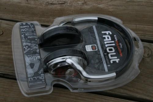 geardiary_ifrogz_fallout_headphones_09
