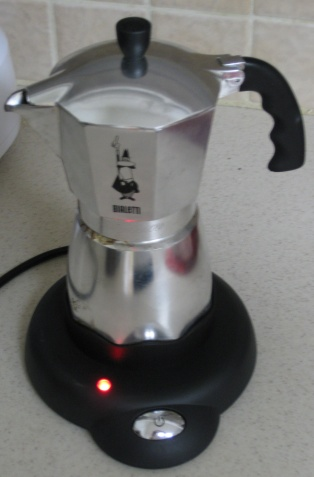 Bialetti_Electric_Cafe_Base_DoneBrewing_RedLight