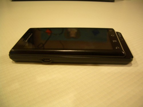 Motorola Droid left side