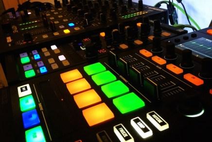 Native Instruments – Kontrol D2 Gearjunkies Review