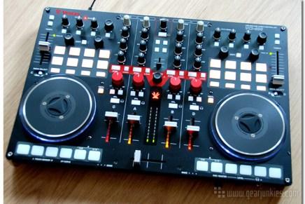 Vestax VCI-400 DJ Controller – Gearjunkies Review