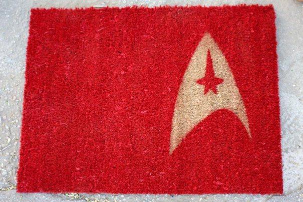 DIY Star Trek Welcome Mat - Geek Decor