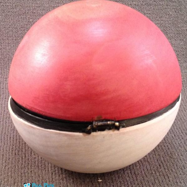 Pokeball Ring Box Back - Geek Decor