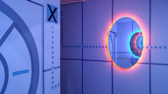 Portal Bedroom - Geek Decor