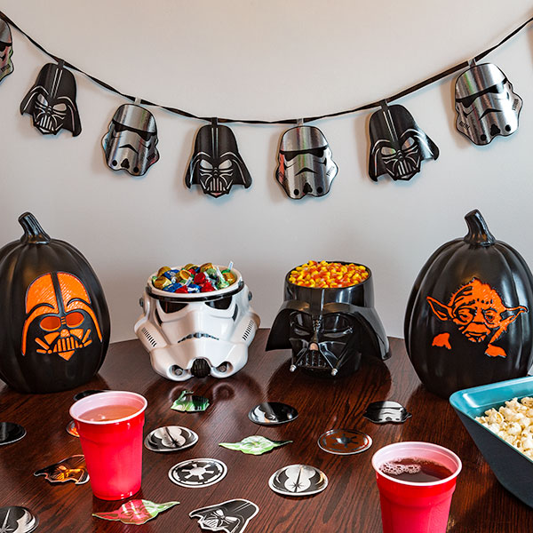 Star Wars Garland Displayed - Geek Decor
