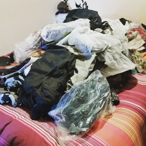 Metodo Konmari: ammucchia tutte le tue borse
