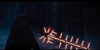 Starwarisons : Star-Wars-The-Force-Awakens-Detournement-Sabre-laser-trailer-1