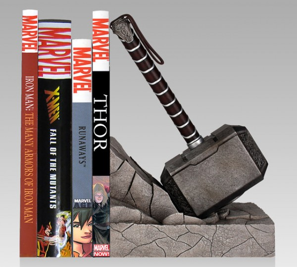 thor-hammer-bookend