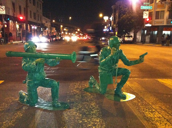 4-Our-homemade-plastic-army-man-Halloween-costumes