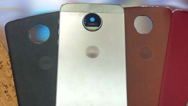 Motorola-Moto-Z-and-the-replaceable-StyleMods-surface-in-photographs