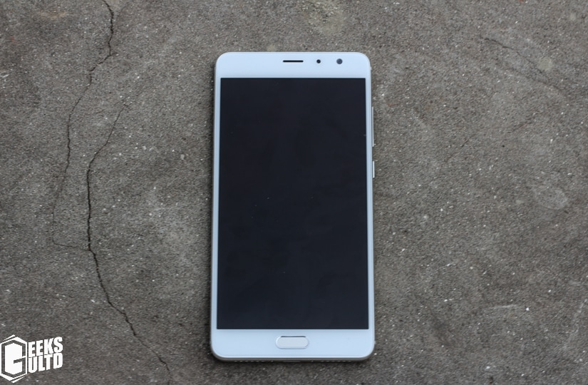 Xiaomi Redmi Pro Review: Front Side