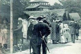 Fotos antigas mostram negros vivendo em zoológicos humanos