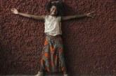 'Mais que escravidão, escola deve mostrar o que fazemos de bom no Brasil', diz MC Soffia rapper de 12 anos que cantará na Rio 2016