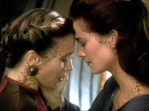 Star Trek Deep Space Nine Jadzia Dax same-sex kiss