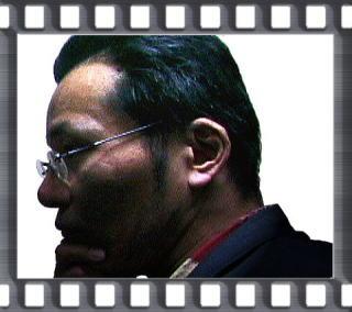 prof_yanagi_b