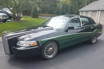 Someone Needs To Put This Abomination Out Of Its Misery (2006 Packard/Lincoln Town Car) | GenHO