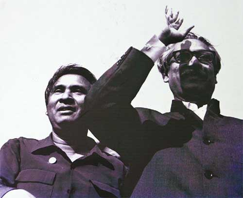 Tajuddin Ahmed (L) along with Sheikh Mujibur Rahman