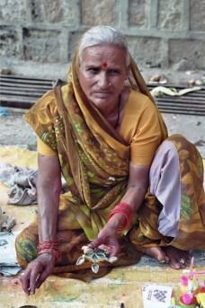 Vendere qualche monile India 2010