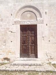 porta dell'abbazia Santa Maria Assunta
