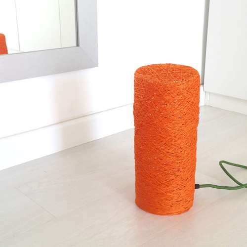 lámpara de suelo naranja de hilo hecha a mano decorativa artesanal