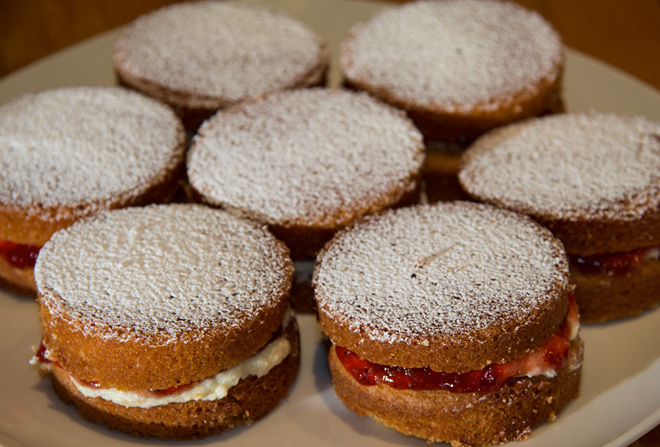 Food-photography-victoria-sponge