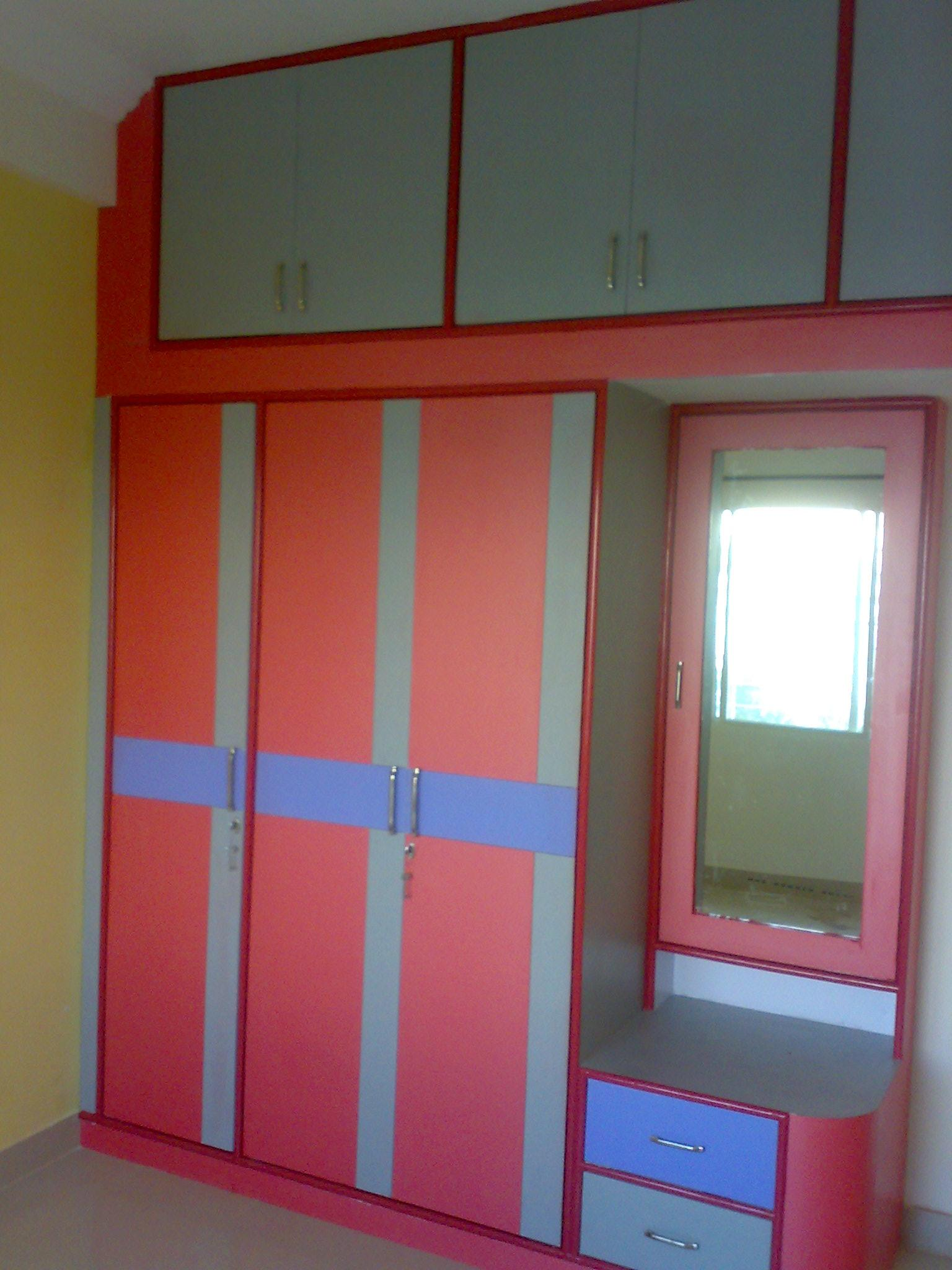 Simple Wardrobe Designs For Small Bedroom Almirah Simple Cupboard Design Bedroom Cupboards Wardrobes