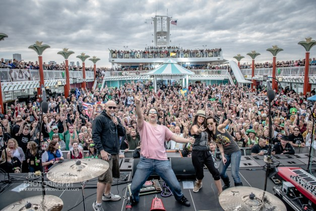Cruise launch at ShipRocked, by Rick Triana