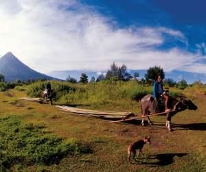 Bergbauern am Mayon (Foto: Roland Hanewald)