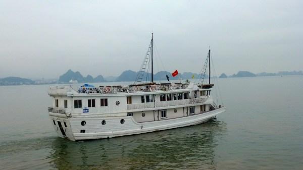 Junk Ship Cruise Halong Bay
