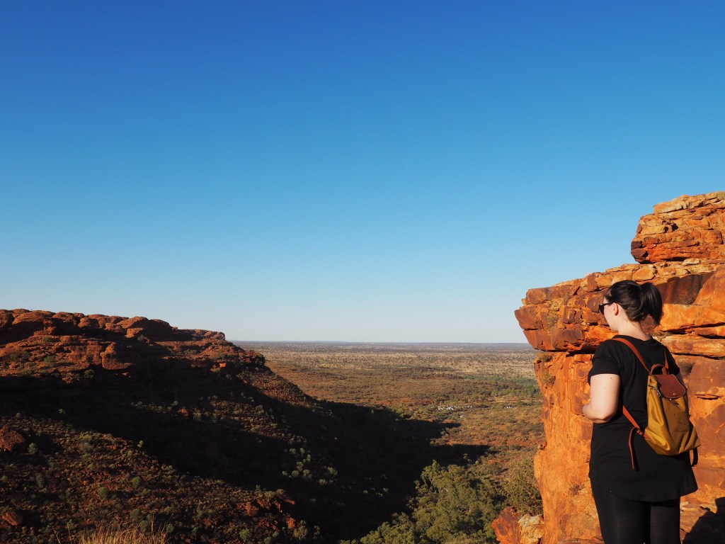Just after sunrise on the Kings Canyon Rim Walk