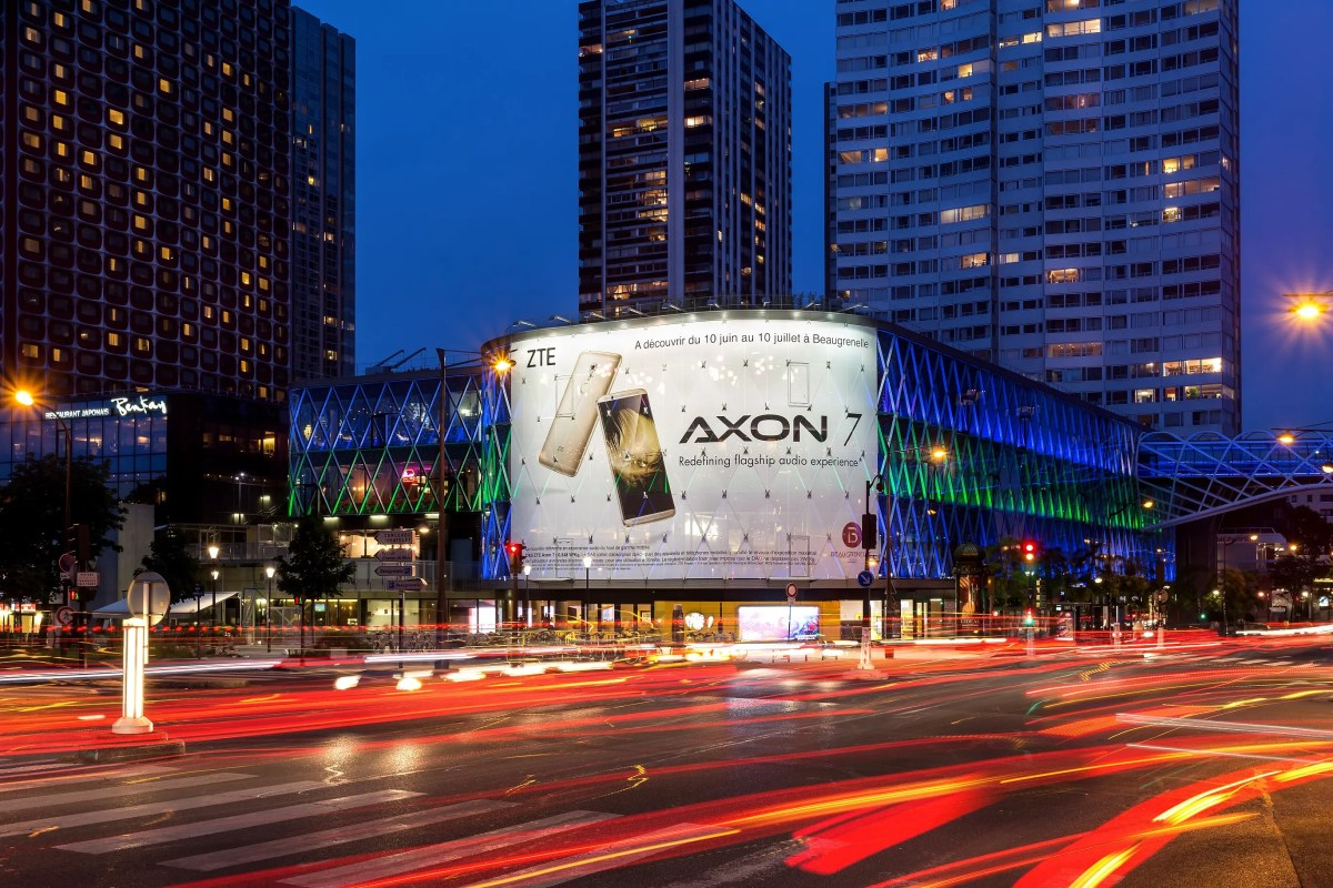 Axon 7 officially headed to Europe with pre-orders starting today