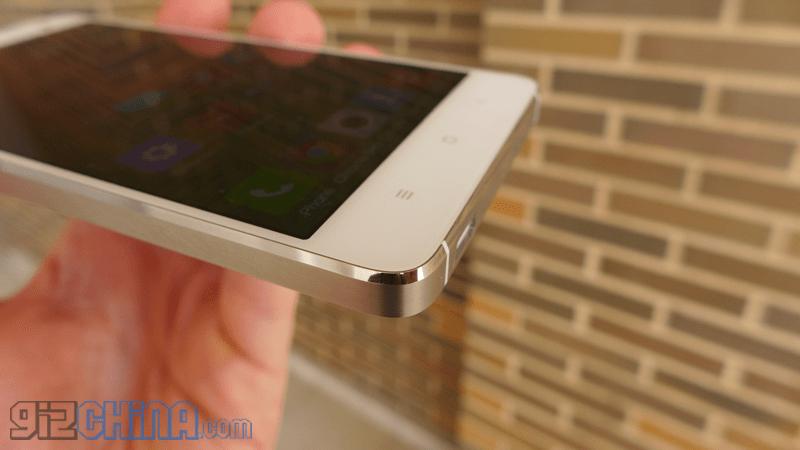 L1050462 Xiaomi MI4 commentare un principe tra i fiori all'occhiello