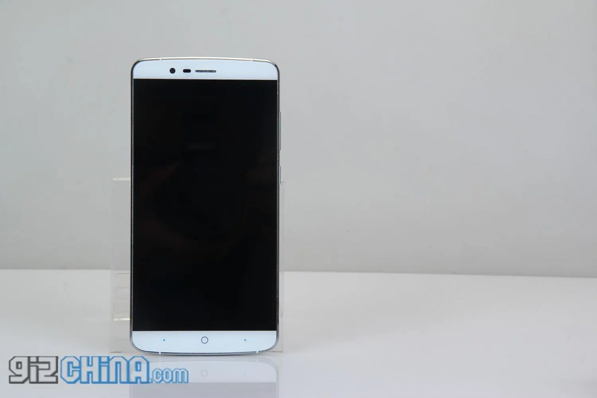 Gawk at the Elephone P8000 as the P7000 finally starts shipping