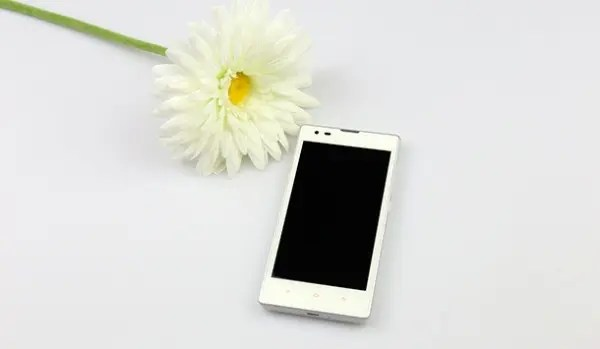 white xiaomi redmi After long last, Xiaomi Redmi White model is official