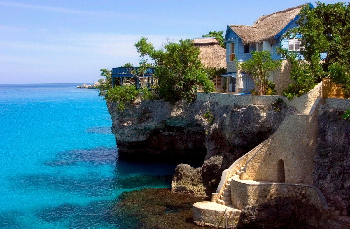 Cliff Diving and Relaxing at The Caves in Jamaica