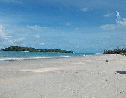 deserted paradise beaches of pantai cenang, naturally langkawi